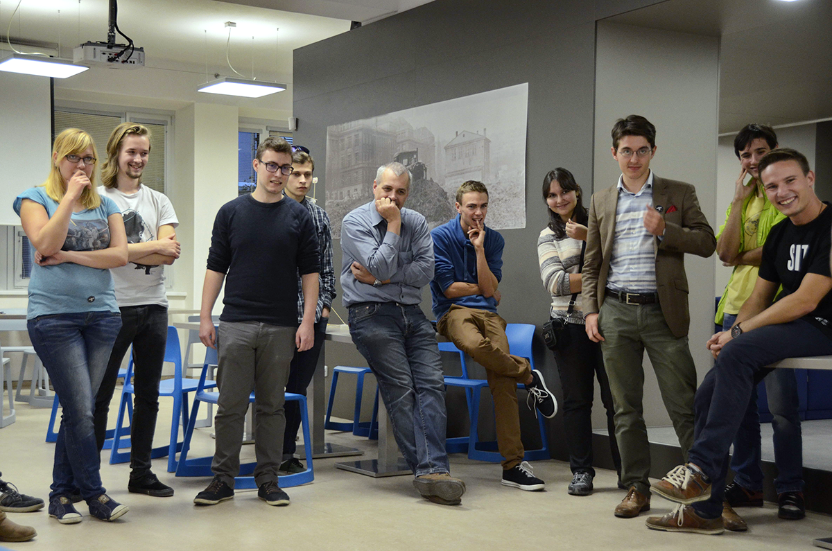 Ing. Pavel Náplava spolu se studenty SIT